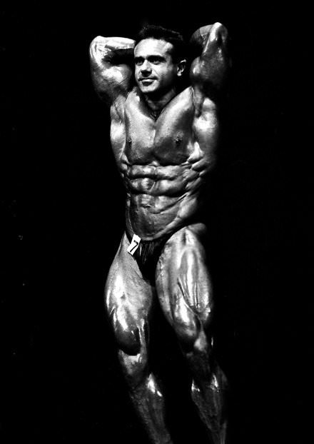 Classic bodybuilding physique - John Terilli abdominals pose